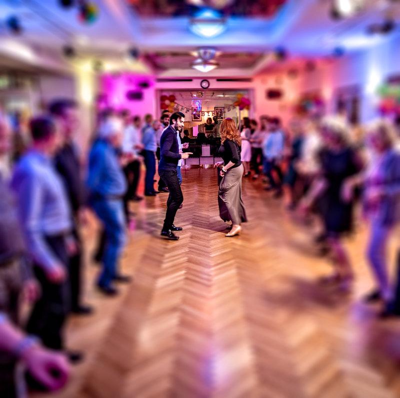 Tanzclub Gold